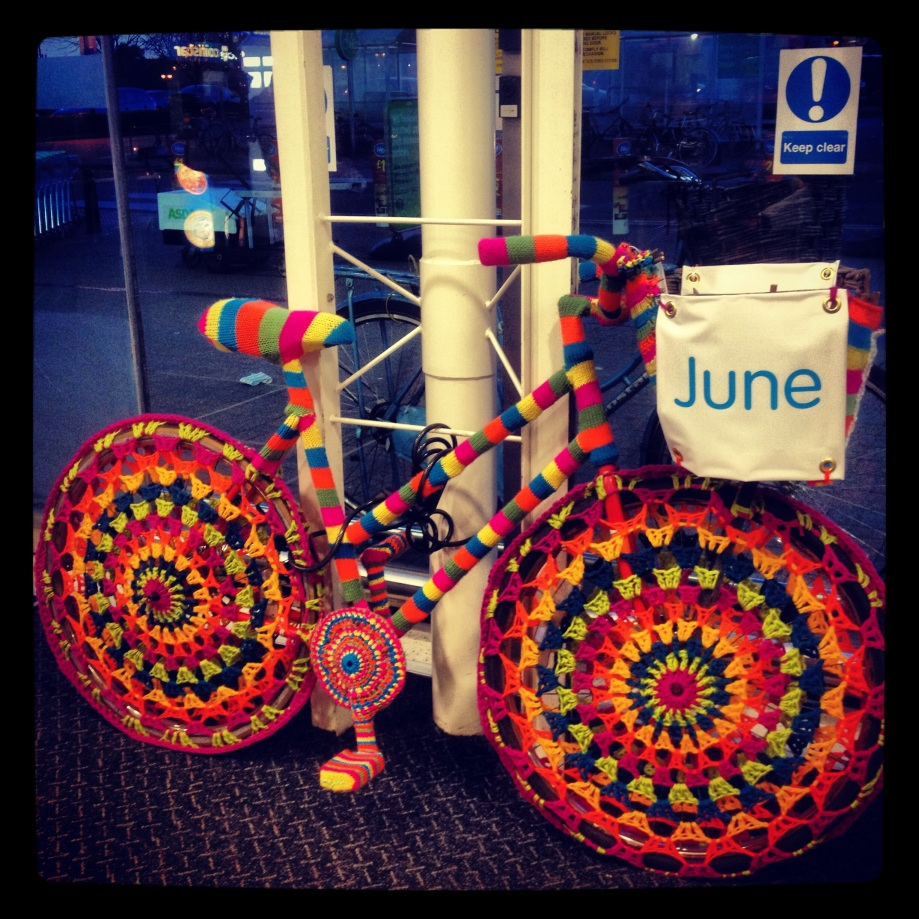 knitted bike arrives at first location